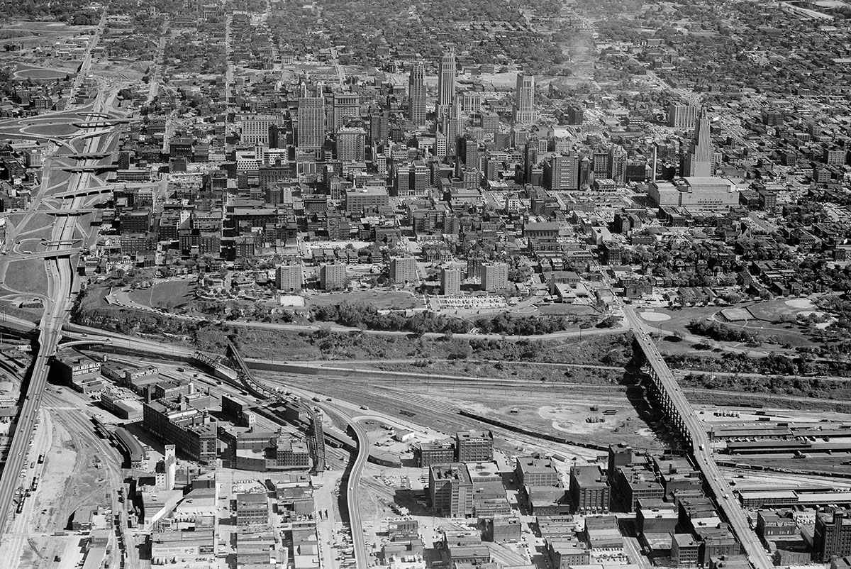 Aerial view of Kansas City, showing the 8th Street Tunnel  in the left foreground