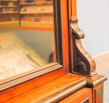 Children's Bookcase detail